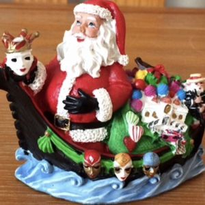 The International Santa Claus Collection Venice $63 Santa which is part of the international santa claus collection 2008 it is in like new condit for Sale in Gilbert, AZ
