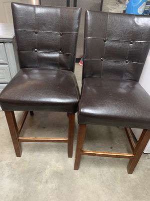 Kitchen table and 2 chairs for Sale in Bakersfield, CA