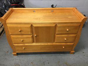 Baby Crib with Dresser for Sale in Oak Park, MI