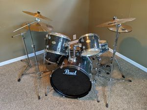 Pearl Forum Series 5-piece drum set with Sabian Rock Cymbals for Sale in Wichita, KS