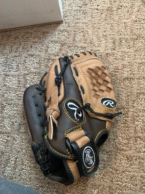 Baseball Glove for Sale in Dearborn, MI