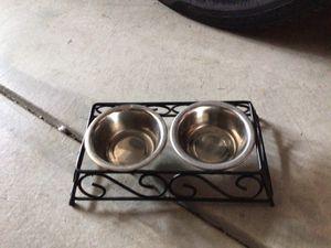 Platos de perro chicos for Sale in Littlerock, CA