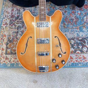 Vox Basss for Sale in Farmington Hills, MI