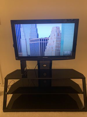 32-inch Panasonic LCD TV tc-l32c22 for Sale in West McLean, VA