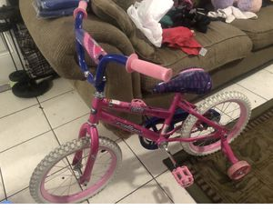 Girls bike 16 inch for Sale in Hallandale Beach, FL