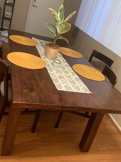 Sturdy Table With 4 Chairs for Sale in Culver City,  CA
