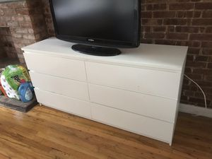 Full bedroom set, Futon, TV, Microwave for Sale in New York, NY