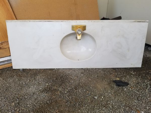 Countertop, sink and faucet. 60 1/2 ×20 1/2 ... FOR FREE