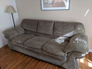 Full size couch for Sale in Morristown, NJ
