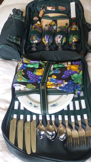 Picnic back pack for Sale in Manassas, VA