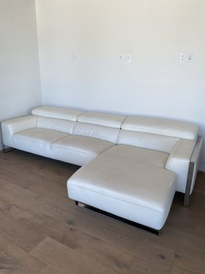 White leather couch for Sale in Phoenix, AZ
