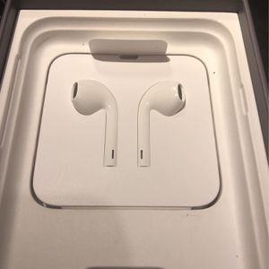 Apple Headphones for Sale in Arlington, VA