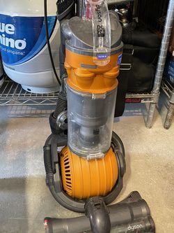 Dyson Bagless Vacuum (DC 24) for Sale in San Antonio,  TX
