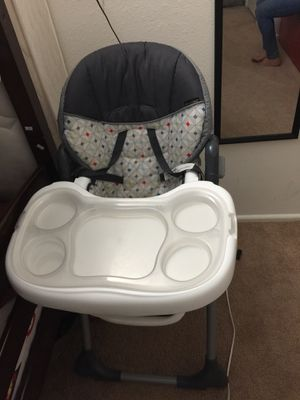 Like new baby high seat - premium quality for Sale in Richmond, VA