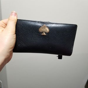 Kate spade wallet for Sale in Issaquah, WA