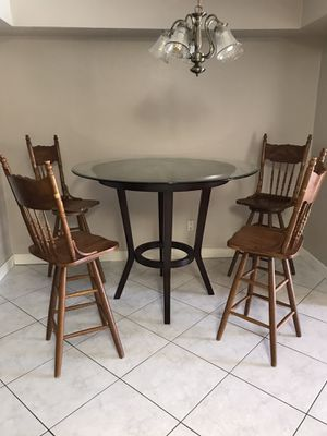 Dining room high table and 4 chairs for Sale in Sebastian, FL