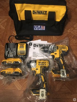DeWalt. 20V MAX XR Lithium Ion 2-Piece Brushless Cordless Combo Kit. for Sale in Brooklyn, NY