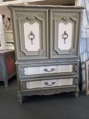 Dresser for Sale in Tulare, CA