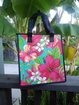 Beautiful bright Hawaiian tropical flower tote fully insulated for Sale in Stockton, CA