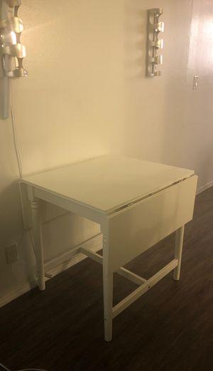 IKEA breakfast table for Sale in Los Angeles, CA