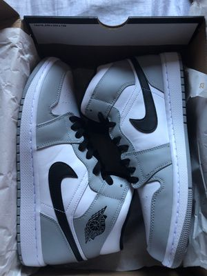 Air Jordan 1 mid smoke grey size 10.5 for Sale in Imperial Beach, CA