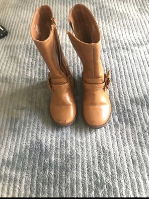 Girls boots size 7 for Sale in Tulare, CA