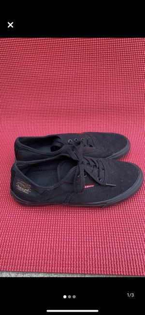 7.5 Levi's tennis Shoes for Sale in Costa Mesa, CA