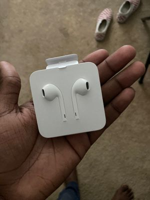 Apple headphones for Sale in Humble, TX