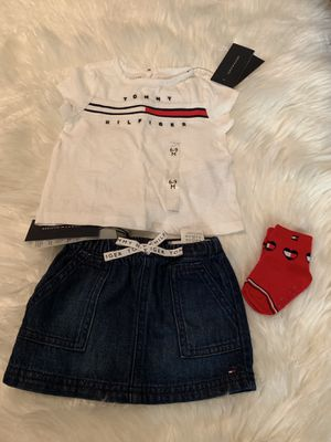 Girls Tommy Hilfiger Outfit Size 6/9 months for Sale in Atlanta, GA