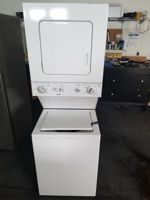 Kenmore stackable washer and dryer for Sale in Edgewood, WA