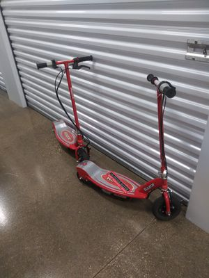 Razor scooters E175. They work need new battery. Price each. for Sale in Addison, IL