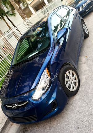 Hyundai Accent 2016 hatchback front damaged for Sale in Miami, FL