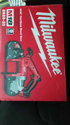 MILWAUKEE M18 CORDLESS BAND SAW for Sale in Chula Vista, CA