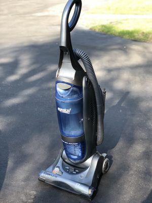 Eureka vacuum cleaner for Sale in Glendora, CA