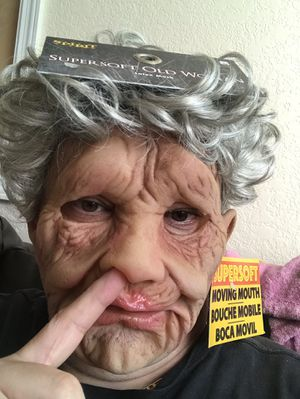 GANNY EXTREMELY LIFELIKE (moving mouth) Halloween mask $60 NEW !! for Sale in Hialeah, FL