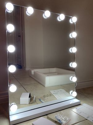 Large Vanity Makeup Mirror with Dimmable and 3 Modes 15 Bulbs for Sale in Anna, TX
