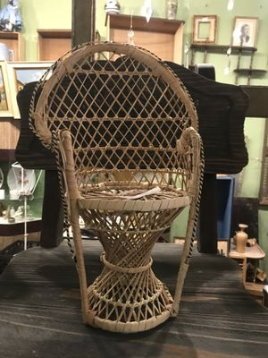 "Vintage boho bohemian wicker miniature peacock chair plant stand 14"" for Sale in San Diego, CA"