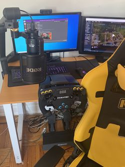 Fanatec CSL Elite F1 Set for Sale in Brooklyn,  NY