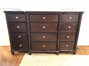 4 piece bedroom furniture for Sale in Falls Church, VA