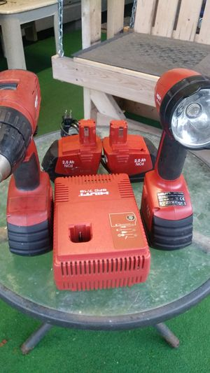 Hilton drill & flash light for Sale in San Juan, TX