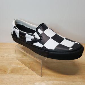 Barneys New York X Vans Classic Slip-On Checkered Size 11 Black/White (721278) for Sale in Augusta, GA