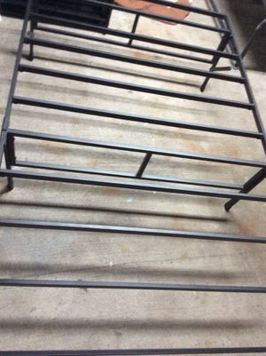 Queen size bed frame god condicion .90.00 each for Sale in Kissimmee, FL