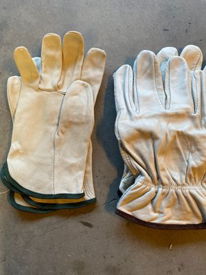 Working gloves for Sale in Bakersfield, CA