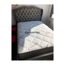 Queen Only Bed Frame $295 😍 Price With Mattress Is Different 🙌🏻 for Sale in Lakewood,  CA
