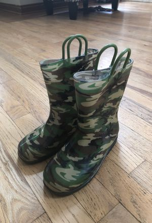 Kids camp rain boots for Sale in Shelby charter Township, MI
