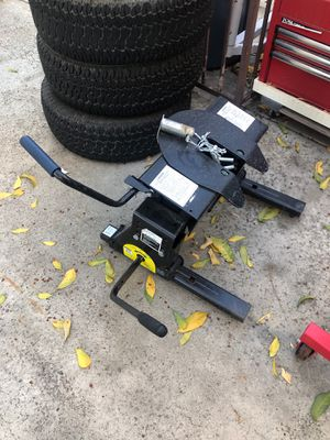 REESE Pro Series 16k 5th wheel slider for Sale in Rancho Cucamonga, CA