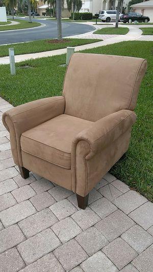 Elegant Sofa chair for Sale in West Palm Beach, FL