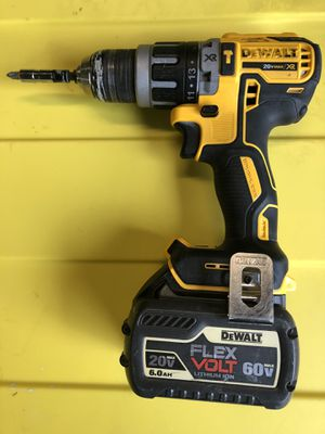 Xr hammer drill we big 6.0 volts battery for Sale in Tacoma, WA