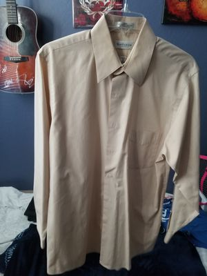 Van Heusen button up mens shirt LARGE for Sale in Gilbert, AZ