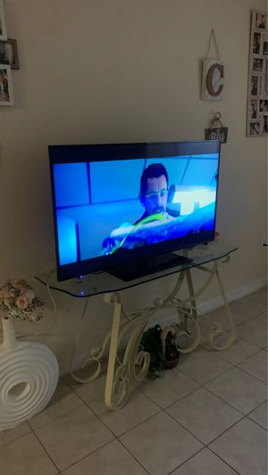 55in element led tv with remote for Sale in Brandon, FL